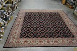 Org 16/18 Shah Abbas Floral Trellis Black - Ivory Area Rug