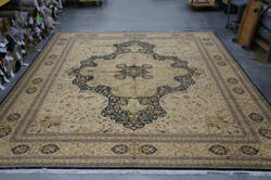 Org 16/18 Shah Abbas 1624 Gold - Black Area Rug