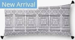 Loloi Pillows P0775 Black - White