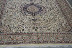 Org 16/18 Shah Abbas Floral Ivory - Red Area Rug